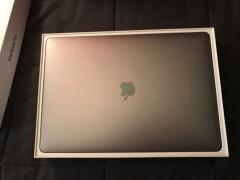 Apple MacBook Pro 15 with Retina Display MJLQ2LL/A